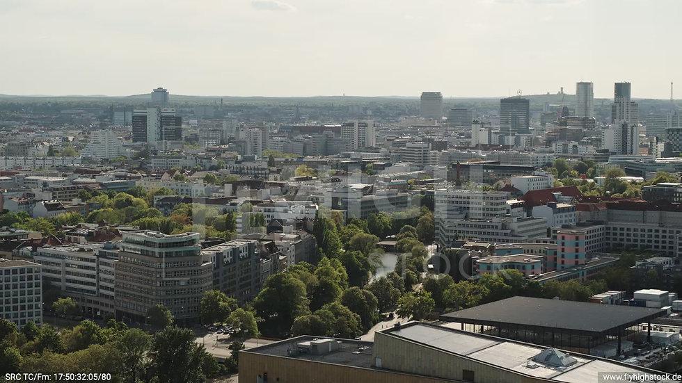 Berlin Potsdamer Platz West Skyline Parallelflug tagsüber D032_C009