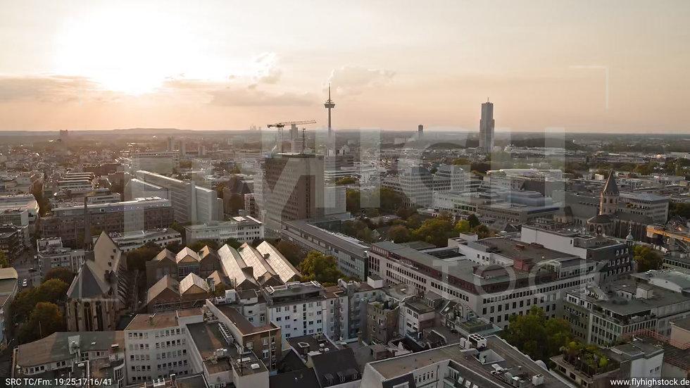Köln Am Dom 360-Grad-Drehung C054_C028