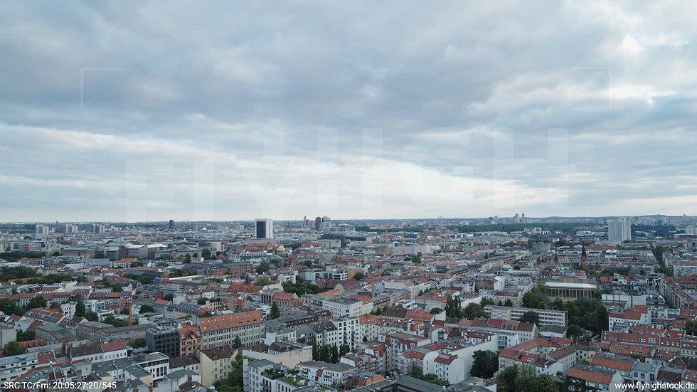 Berlin Volkspark am Weinberg Potsdamer Platz Skyline Hub abends 3