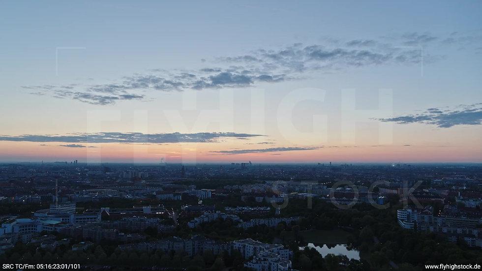 München Westpark Ost Skyline Rückflug morgens 6