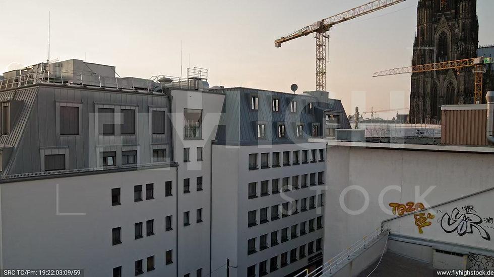 Köln Am Dom Hub C054_C024