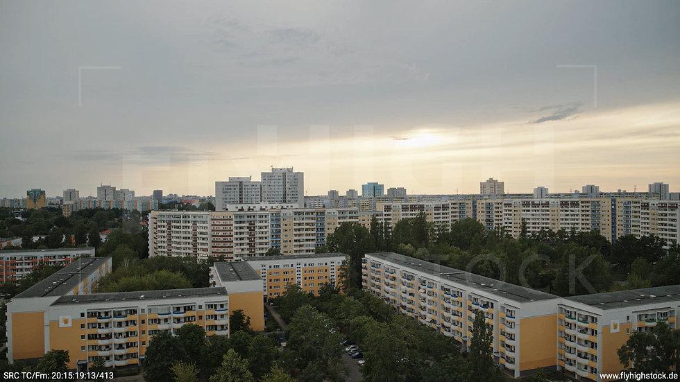 Berlin Marzahn Skyline Hub abends 2