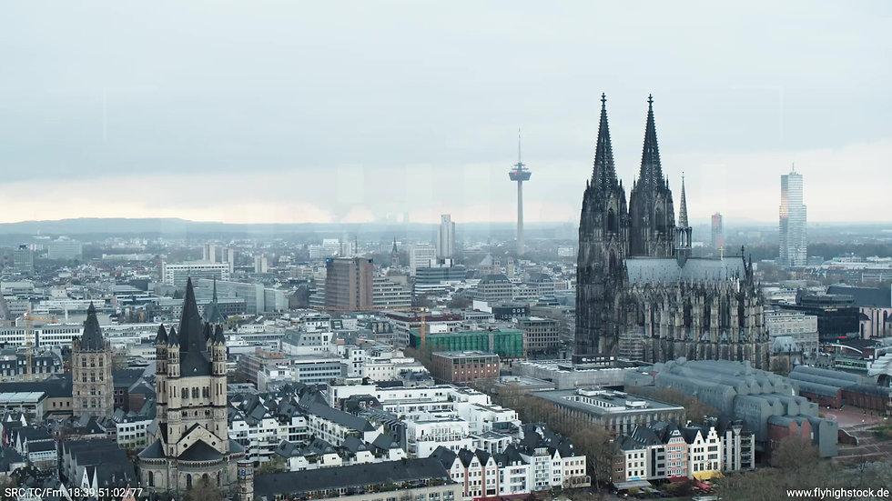 Köln Kennedy-Ufer Skyline Zuflug tagsüber 2