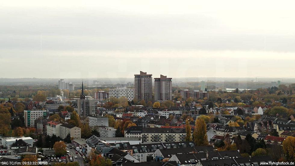 Köln Vorgebirgspark Skyline Parallelflug tagsüber C027_C008