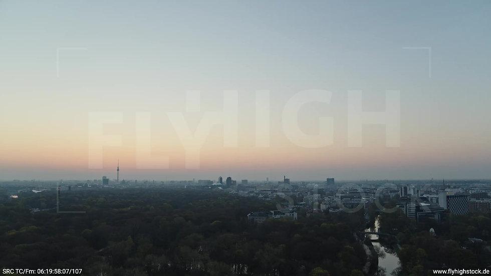 Berlin Tiergarten Skyline Zuflug morgens 2