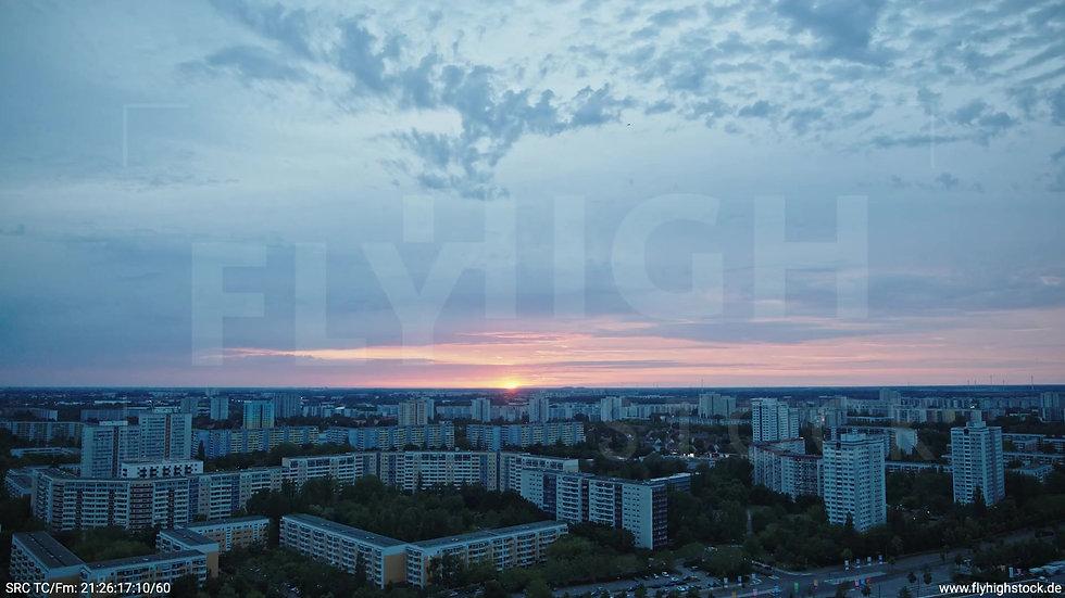 Berlin Marzahn Stadtteil-Shot Zuflug nach unten abends 5
