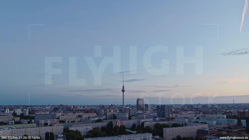 Berlin Volkspark Friedrichshain Alexanderplatz Skyline Rückflug abends 5
