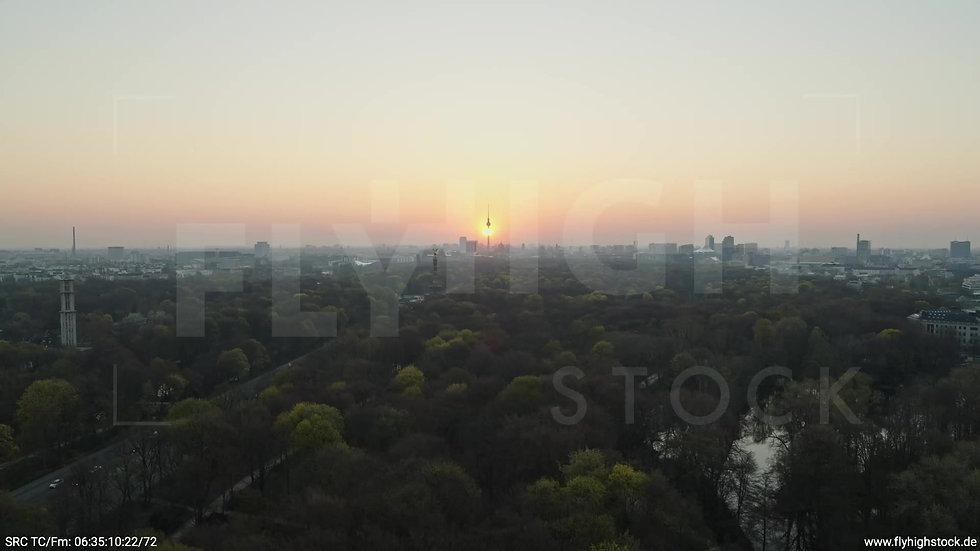 Berlin Tiergarten Skyline Zuflug morgens 8
