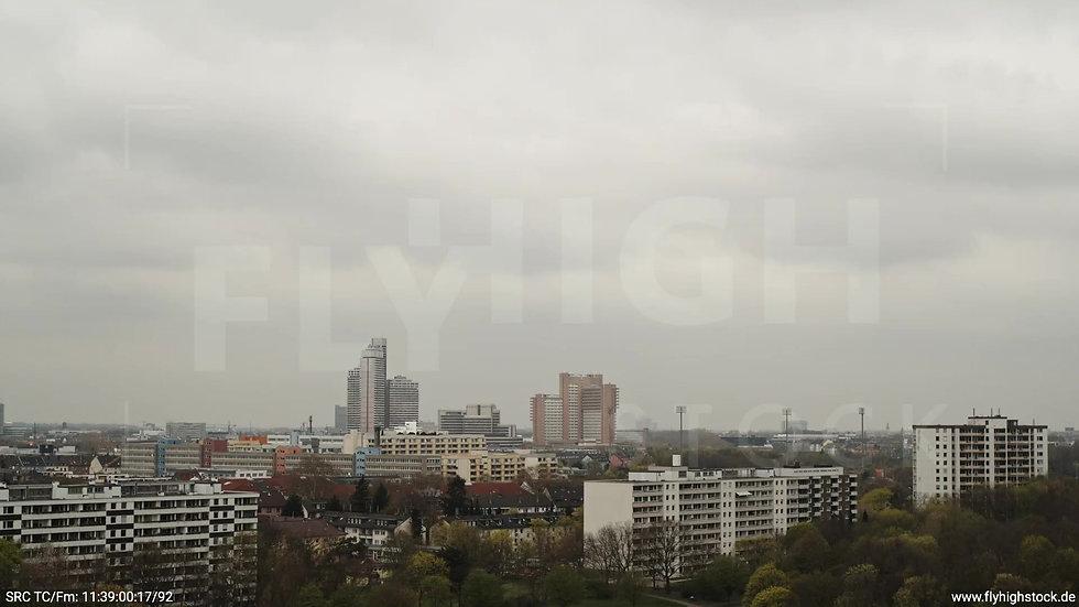 Köln Vorgebirgspark Justiz Skyline Rückflug tagsüber