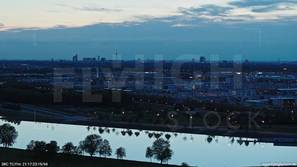 München Riemer Park Stadtteil-Shot Trudering-Riem Zuflug abends 3