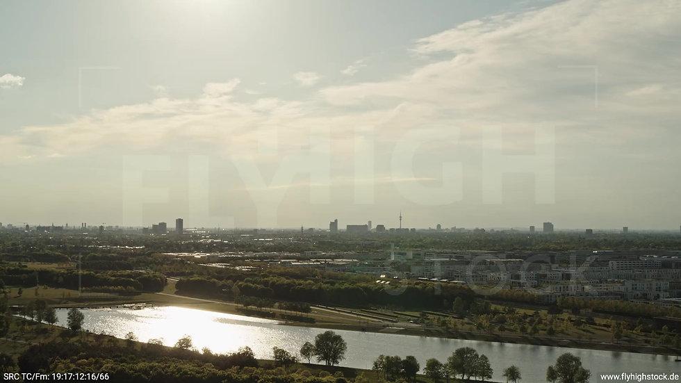 München Riemer Park Stadtteil-Shot Trudering-Riem Zuflug abends