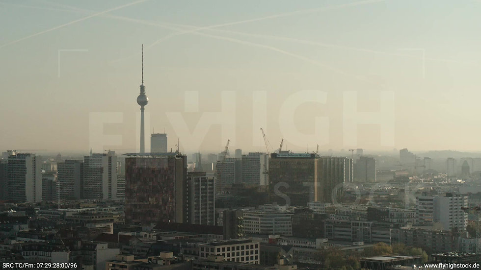Berlin Hallesches Ufer Ost Skyline Parallelflug morgens