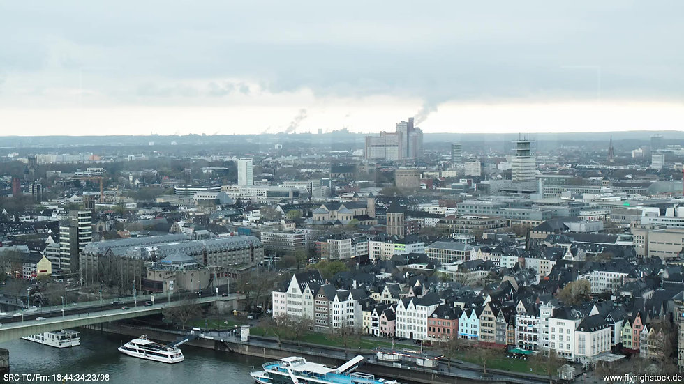 Köln Kennedy-Ufer Skyline Zuflug tagsüber 5