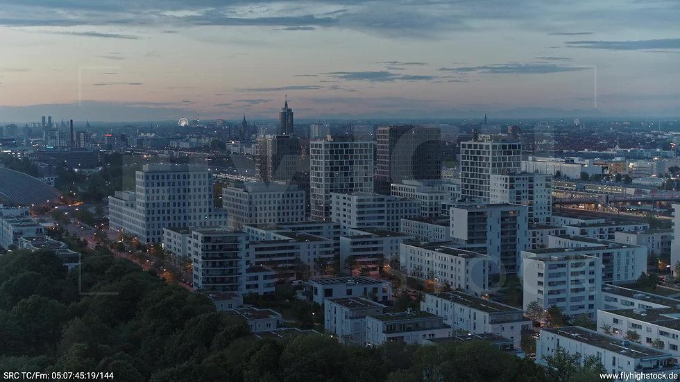 München Hirschgarten Skyline Rückflug nach oben morgens