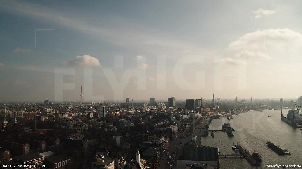 Hamburg Hafen Rückflug Skyline tagsüber