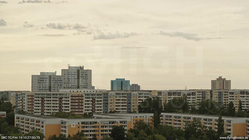 Berlin Marzahn Stadtteil-Shot Parallelflug tagsüber