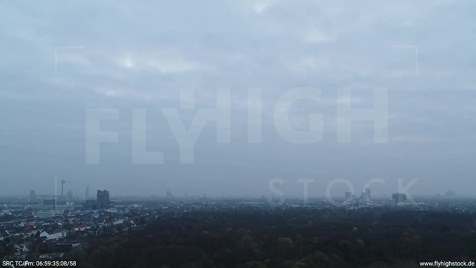 Köln Stadtwald Skyline Zuflug morgens 2