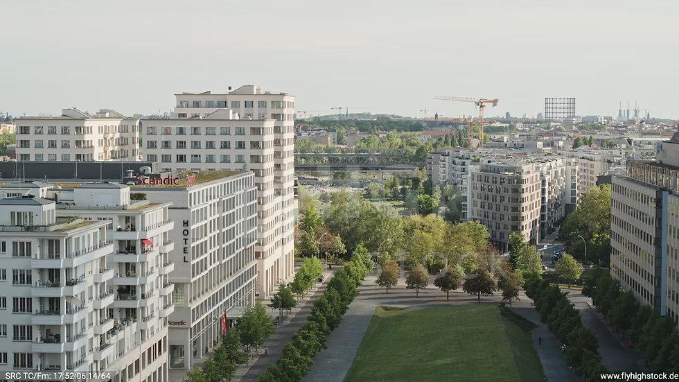 Berlin Potsdamer Platz Gleisdreieck Zuflug nach oben tagsüber D032_C010
