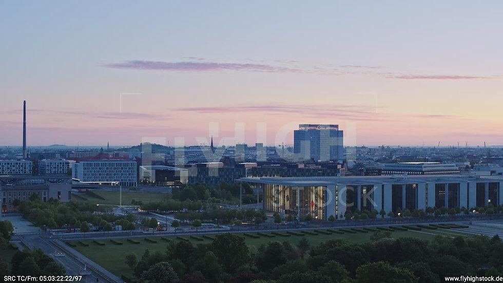 Berlin Tiergarten Paul-Löbe-Haus Parallelflug morgens D028_C014