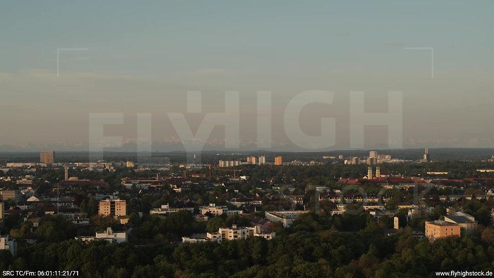 München Westpark Obersendling Skyline Zuflug morgens