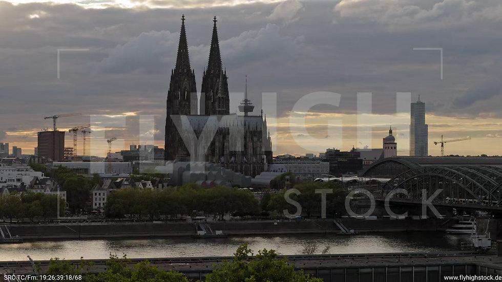 Köln LVR Parallelflug C036_C011