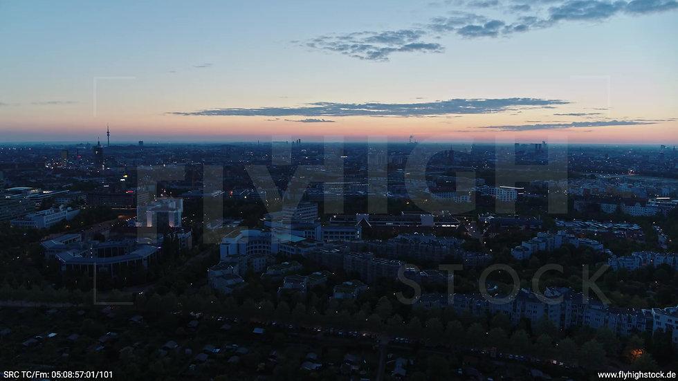 München Westpark Ost Skyline Rückflug morgens 4