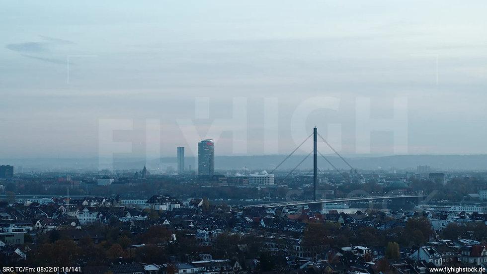 Düsseldorf Oberkasseler Brücke Parallelflug morgens F004_C014