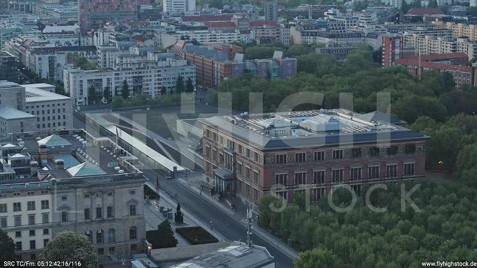 Berlin Potsdamer Platz Gropius-Bau Parallelflug morgens D034_C004