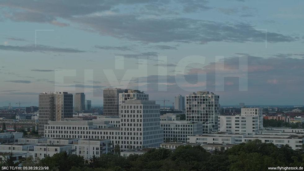 München Hirschgarten Skyline Parallelflug morgens 3