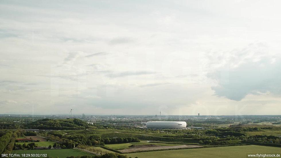 München Allianz Arena Skyline Rückflug tagsüber 4