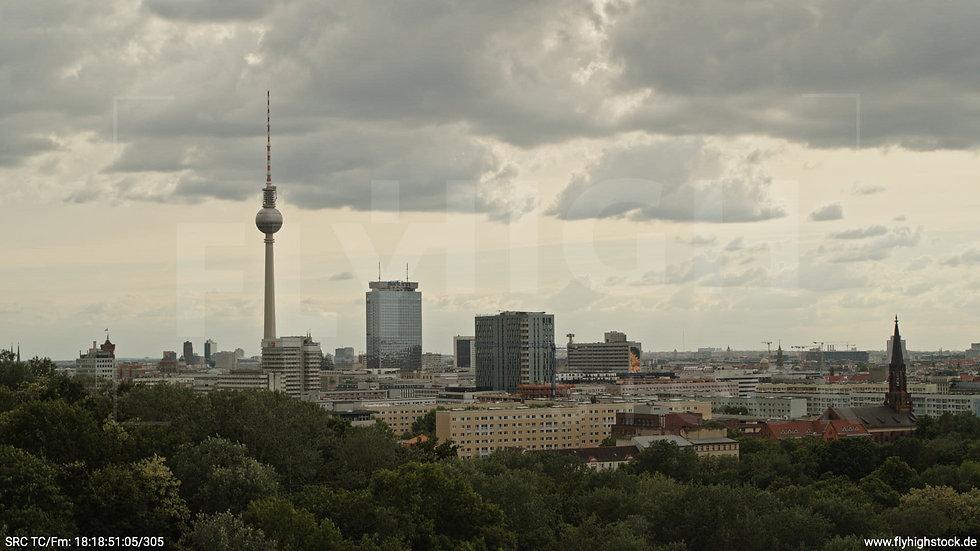 Berlin Volkspark Friedrichshain Alexanderplatz Skyline Hub tagsüber 5