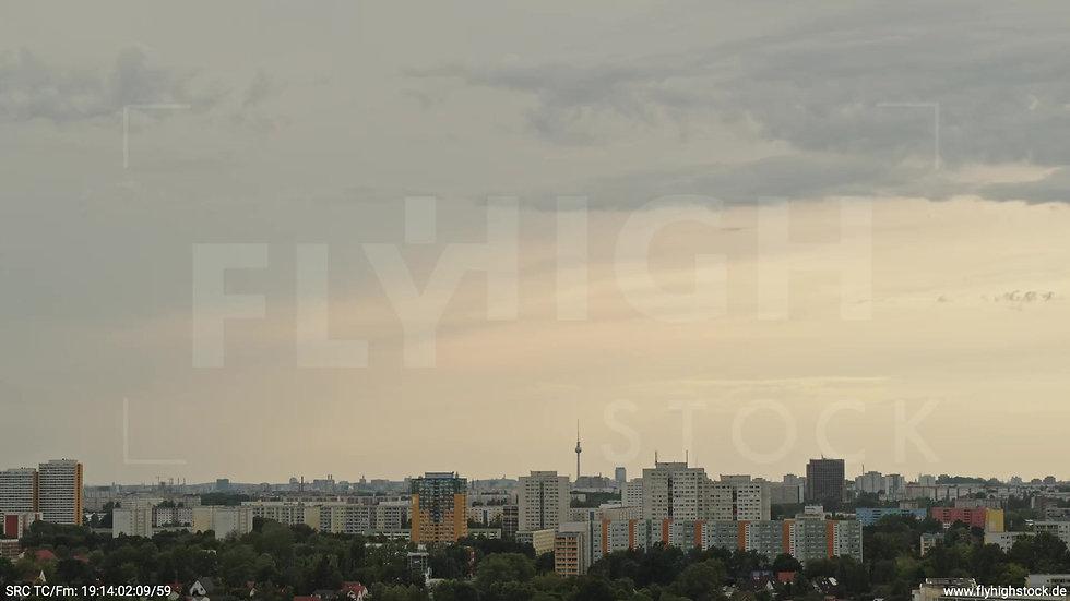 Berlin Marzahn Skyline Zuflug tagsüber 4
