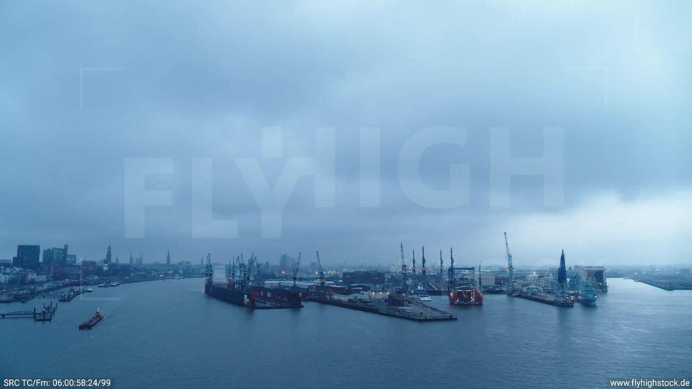 Hamburg Hafen Zuflug Dock 11 morgens