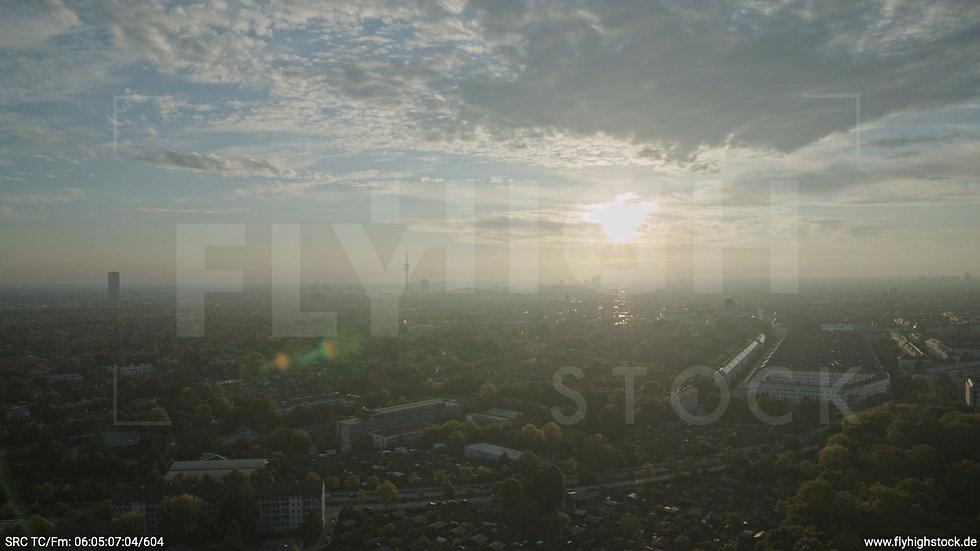 München Hirschgarten Olympiaturm Skyline Hub morgens 6