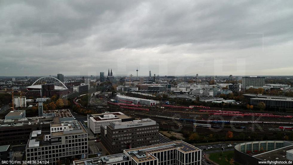 Köln Bürgerpark Kalk Skyline Rückflug nach unten tagsüber C022_C010