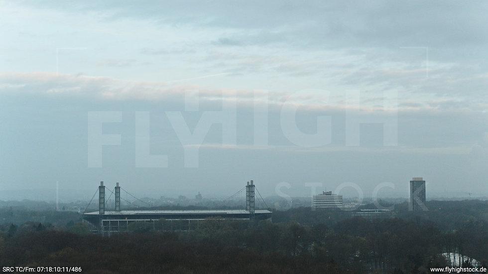 Köln Stadtwald RheinEnergieSTADION Hub morgens