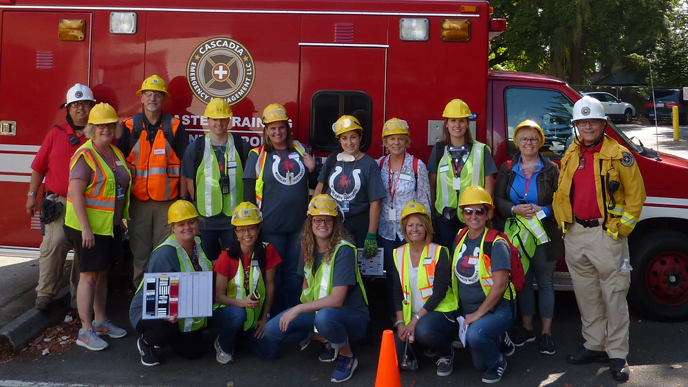Graduating class of 2018 Urban Search & Rescue course by @CascadiaEMAlert