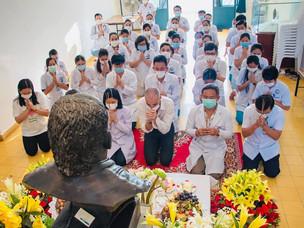 Kantha Bopha würdigt die verstorbenen Dr. Beat Richner und Dr. Peter Studer zu ihrem Geburtstag.
