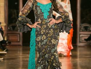 La moda flamenca es un espectáculo.