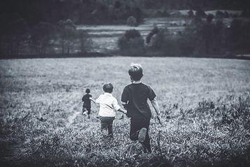 pojkar Running