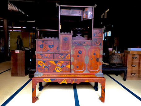 A fine display cabine