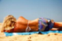 Strand Frau von hinten.jpg