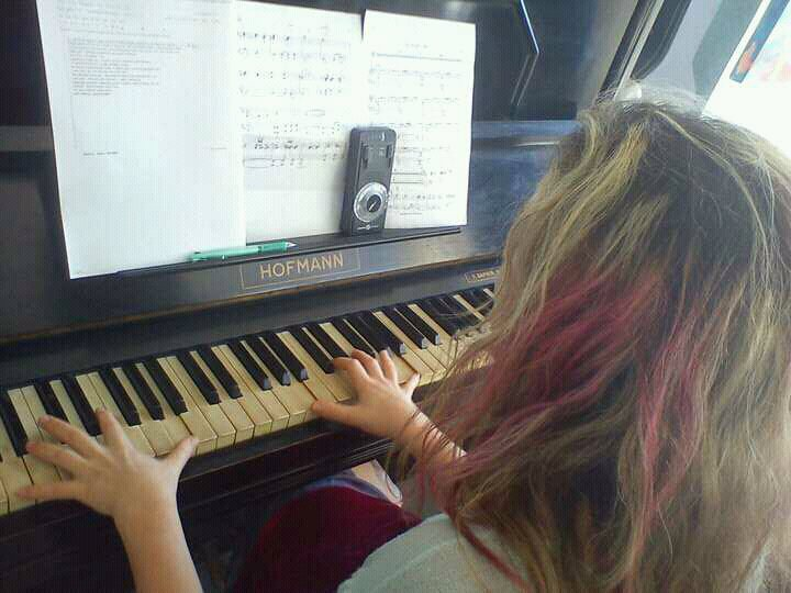 Hitting the piano