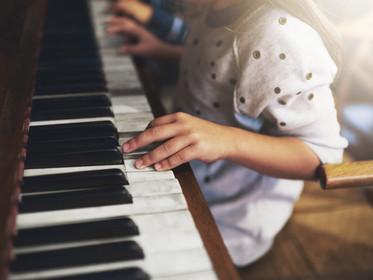 學樂器增強認知、閱讀力!爸媽快準備!