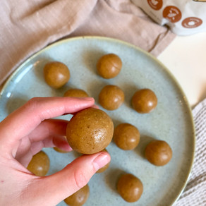 {Salted} Caramel Protein Bliss Balls