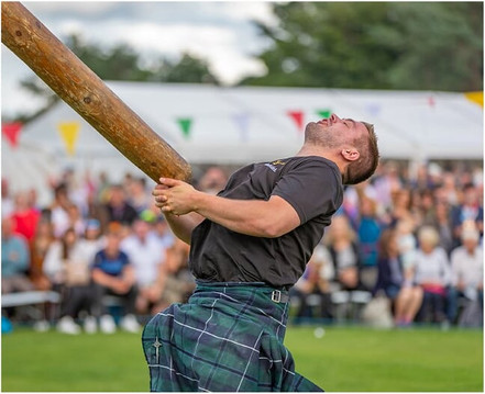 The Caber Toss at the 2019 Ballater Highand Games