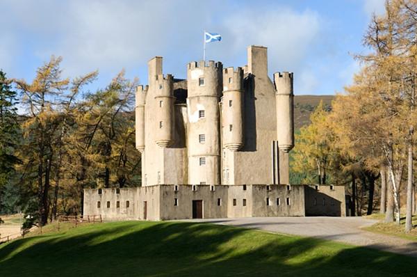 Fortifying Braemar Castle