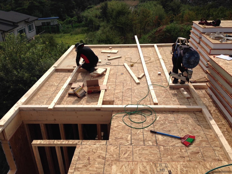 2층 바닥설치후 벽세우기 위한 깔도리 설치