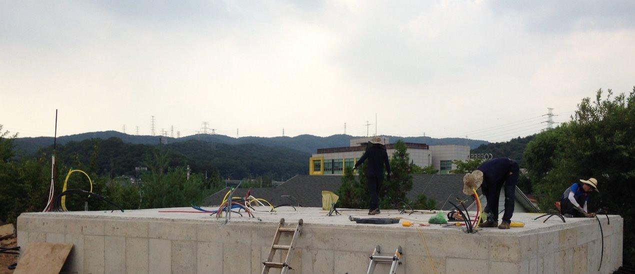 용인 고기리 주택 기초 콘크리트 작업-2