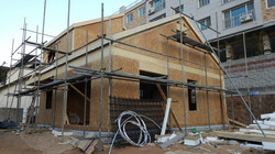 지붕 설치 완료